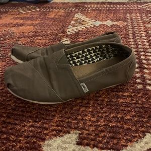 Classic Toms - Olive Green